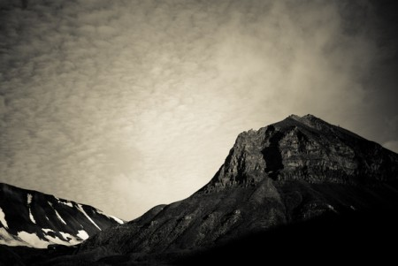 Svalbard in Grayscale Part II – majestic landscape photos from Norway by Kimmo Savolainen