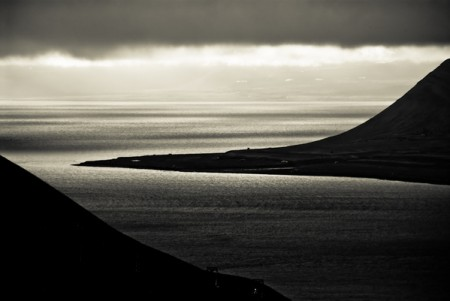 Svalbard in grayscale – landscape photos from Kimmo Savolainen