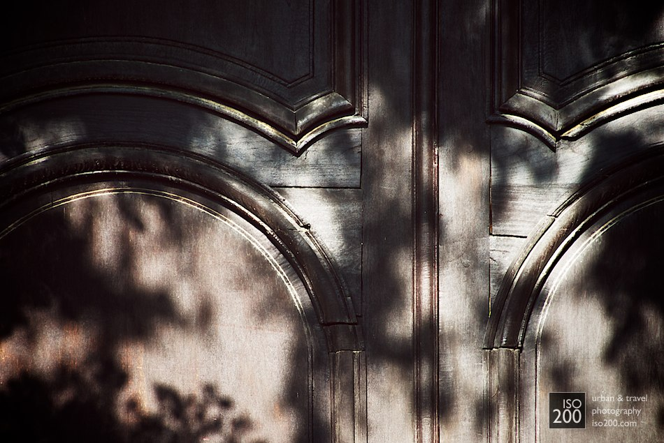 Photo blog post: 'Dappled wooden door'