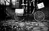 Photo blog photo: 'Bicycle on a street'