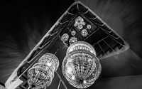 Photo blog photo: 'Staircase, chandeliers'