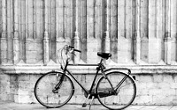 Photo blog photo: 'Bicycle, church'